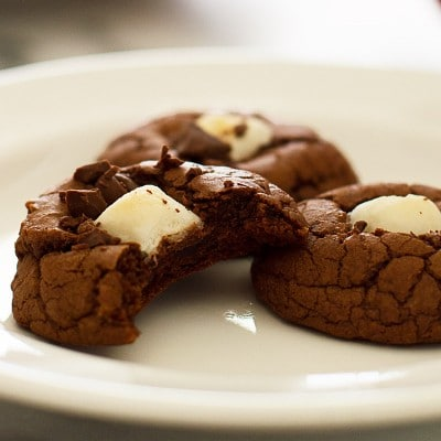 These Miniature Hot Chocolate cookies are rich, chocolatey, and adorable! Recipe includes nutritional information. From BakingMischief.com