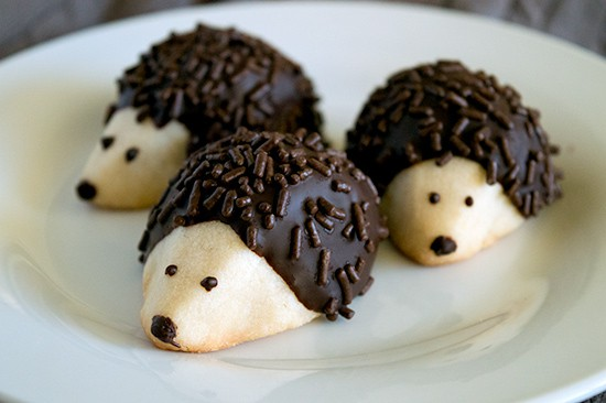Shortbread hedgehog cookies from BakingMischief.com.