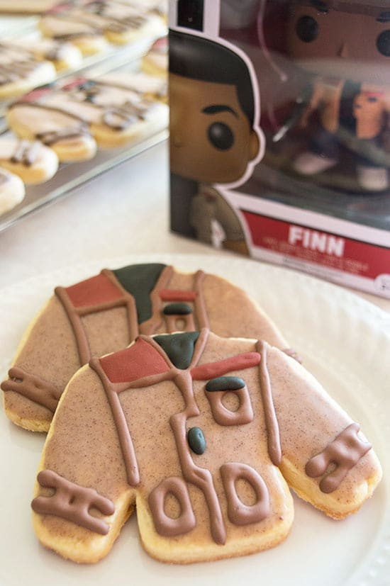 Poe's Jacket Cookies - Cookiefied versions of Star Wars: The Force Awakens' best character: Poe's Jacket. Post includes printable stickers. From BakingMischief.com