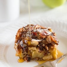 Smokey bacon and tart apples make this Dutch Apple Baby pancake the perfect breakfast for a lazy weekend morning. Recipe includes nutritional information. From BakingMischief.com
