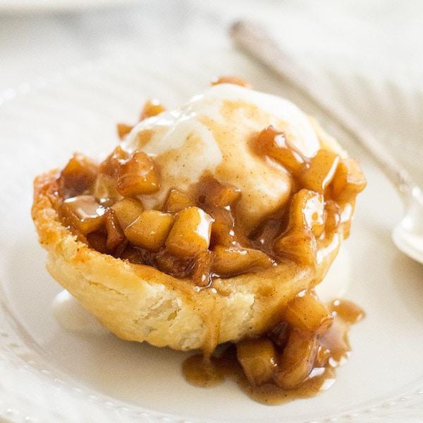 Caramel Apple Pie Sundae