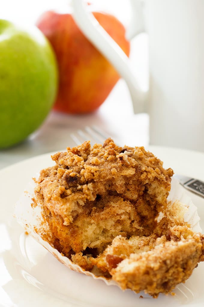 Tender apple crumb muffins with caramelized cinnamon apples and a ...
