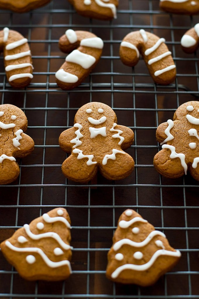 This perfect sweet and spicy Small-batch Gingerbread Cookie recipe will make 6 to 8 large cookies and about 2 dozen mini gingerbread cookies. From BakingMischief.com
