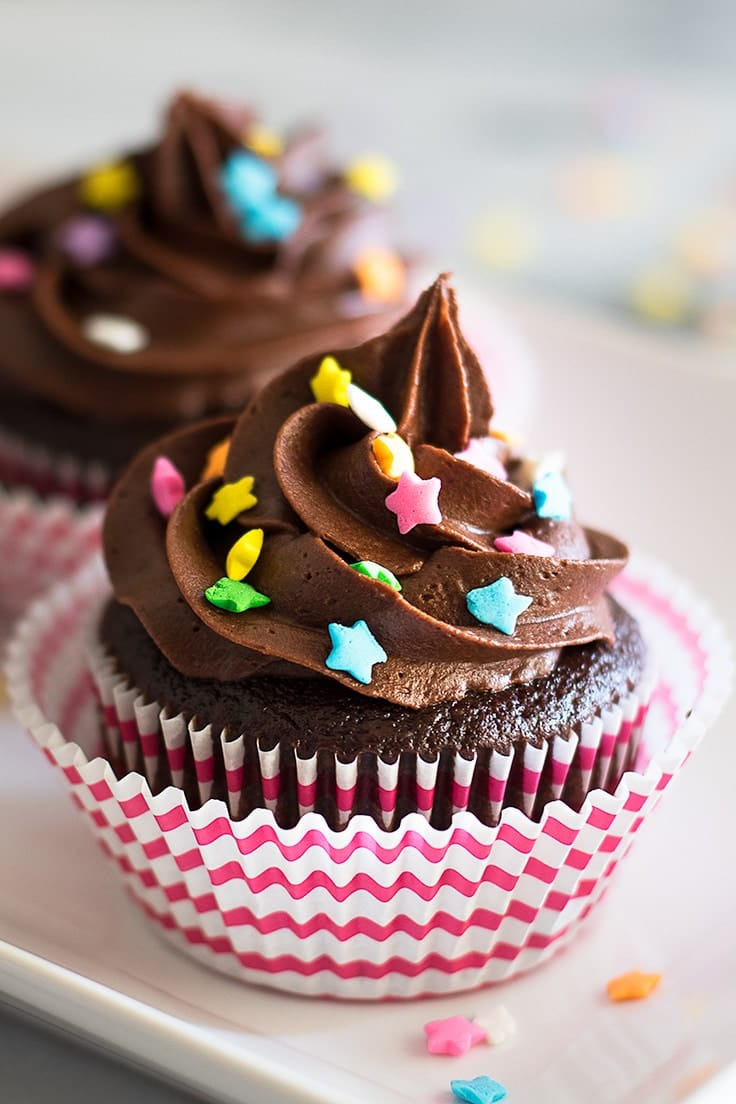 Small-batch Chocolate Cupcakes with Chocolate Buttercream: rich, delicious, and amazing! | Chocolate desserts | Small-batch Cupcakes | Small-batch Desserts |