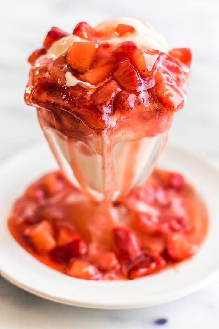 This Quick and Easy Strawberry Sauce is the perfect ice cream topping! | Strawberry Recipes | Ice Cream | Ice Cream Toppings |