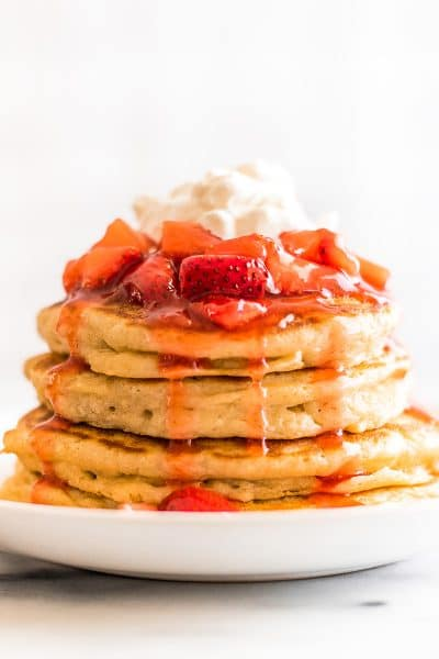 Quick and Easy Strawberry Sauce for Pancakes and Waffles