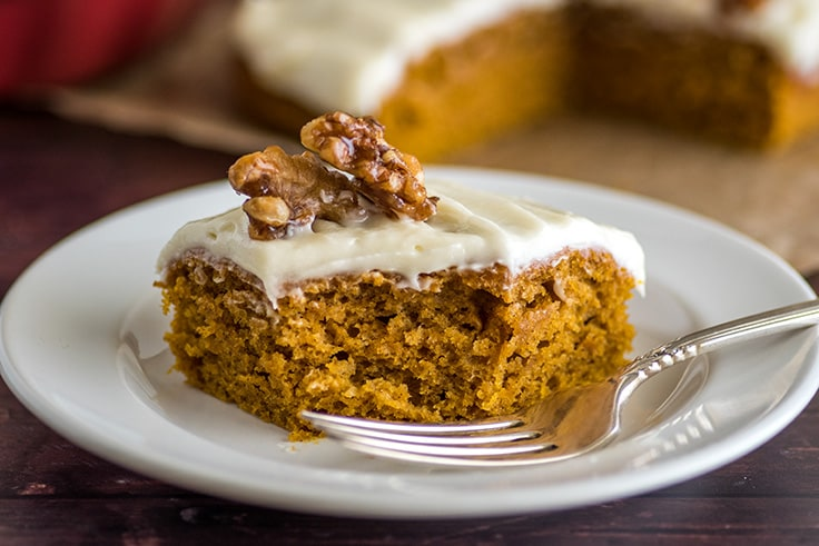 This Mini Pumpkin cake is super soft and moist and easy to make. | #dessert #Pumpkin Desserts | Small-batch Desserts