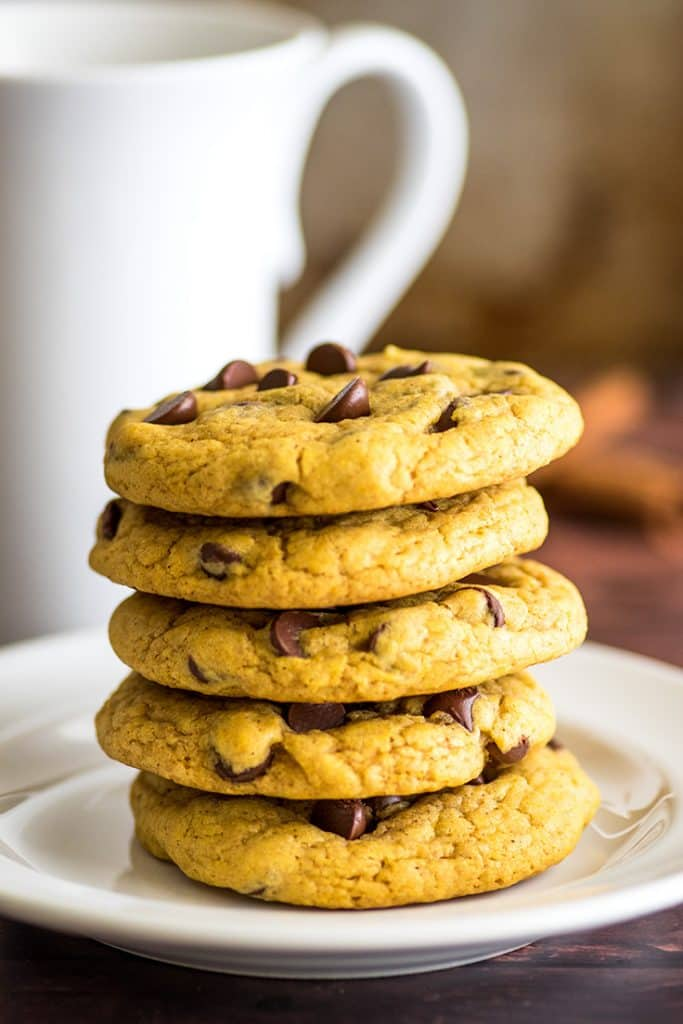 Small-batch Chocolate Chip Pumpkin Cookies are perfect for fall! #cookies | #pumpkinspice | #falldesserts |