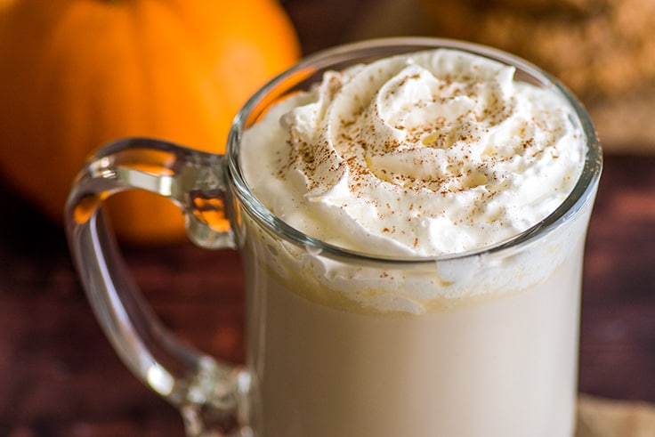 You need only 3 ingredients to make this Chai White Hot Chocolate. | #HotChocolate | #Chai | #WhiteChocolate | #Drinks | #Christmas |