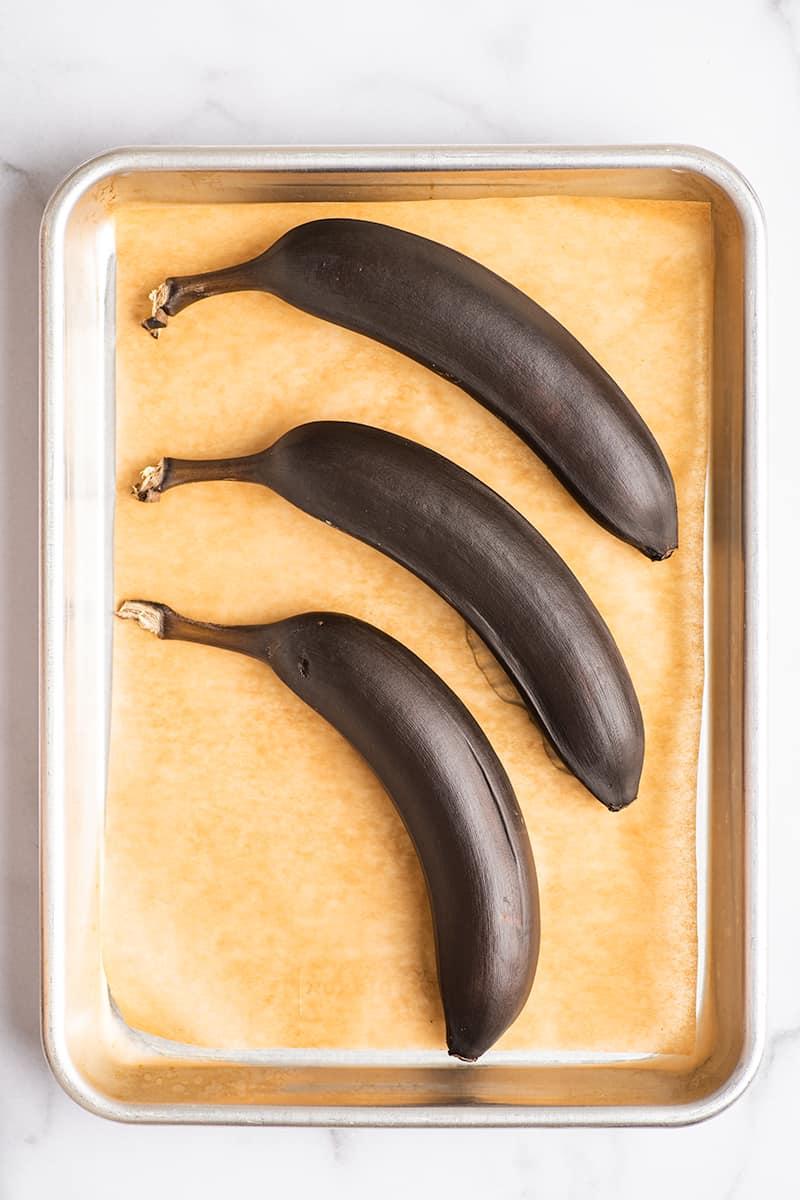 How to Quickly Ripen Bananas - Baking Mischief