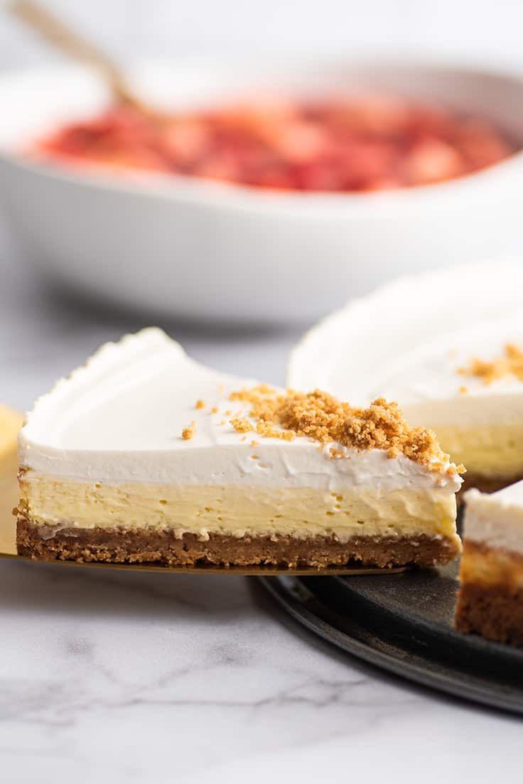 Slice of cheesecake being served.