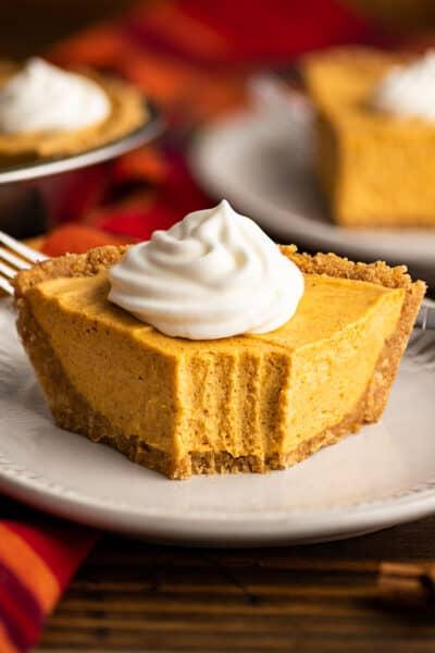 Small No-bake Marshmallow Pumpkin Cheesecake